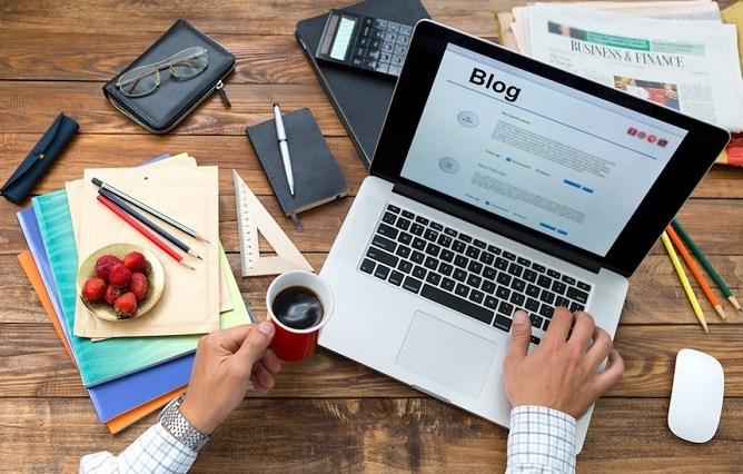 Content executive - freelancer - content marketing agency?